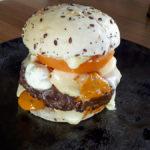 Burger des montagnes fait maison au Fil Rouge, restaurant à Quimper